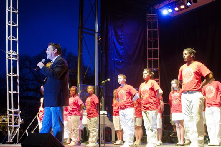Thomas Cook & America Sings