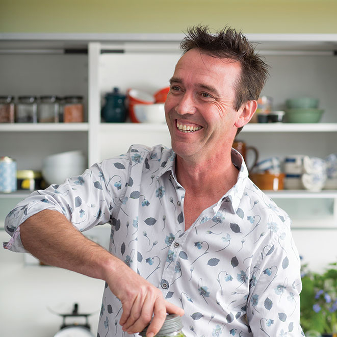 Thomas Cook Sponsors Kevin Dundon's PBS Series